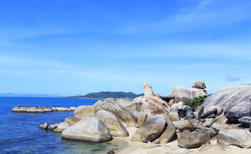 Hin Ta Hin Yai Lamai Beach